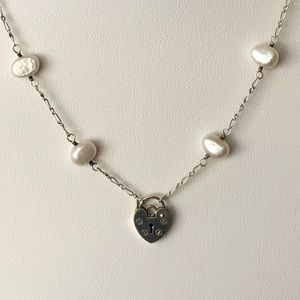 Silver heart lock/freshwater pearl necklace